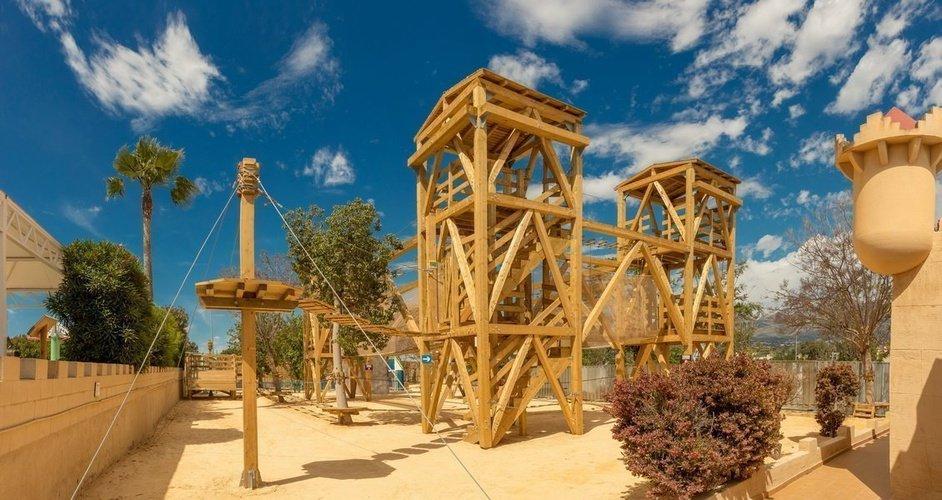 Parc Multi-Aventure - Circuit Aventure Parc de Vacances Magic Robin Hood Alfas del Pi