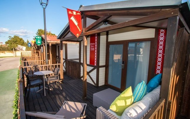 Chalet nottingham 'c' parc de vacances magic robin hood alfas del pi