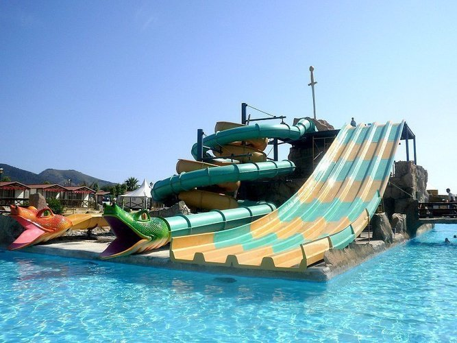 Magic Aqua Experience™ - Multilane et Speed Hole Parc de Vacances Magic Robin Hood Alfas del Pi