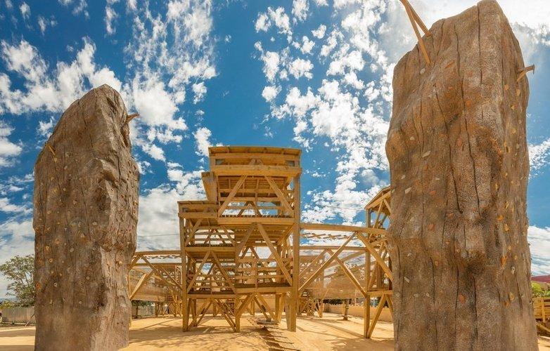 Parc Multi-Aventure - Mur d'escalade Parc de Vacances Magic Robin Hood Alfas del Pi