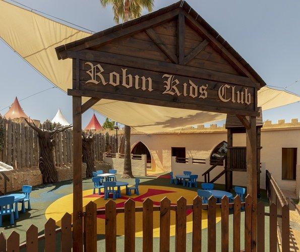 Cour de récréation parc de vacances magic robin hood alfas del pi