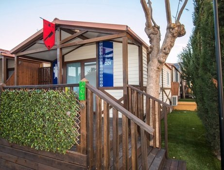 Chalet nottingham 'b' parc de vacances magic robin hood alfas del pi