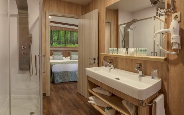Chalet 'Lion Heart' Premium 2/5 pax Parc de Vacances Magic Robin Hood Alfas del Pi