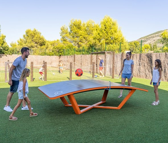 Nouveau! tables de teqball parc de vacances magic robin hood alfas del pi